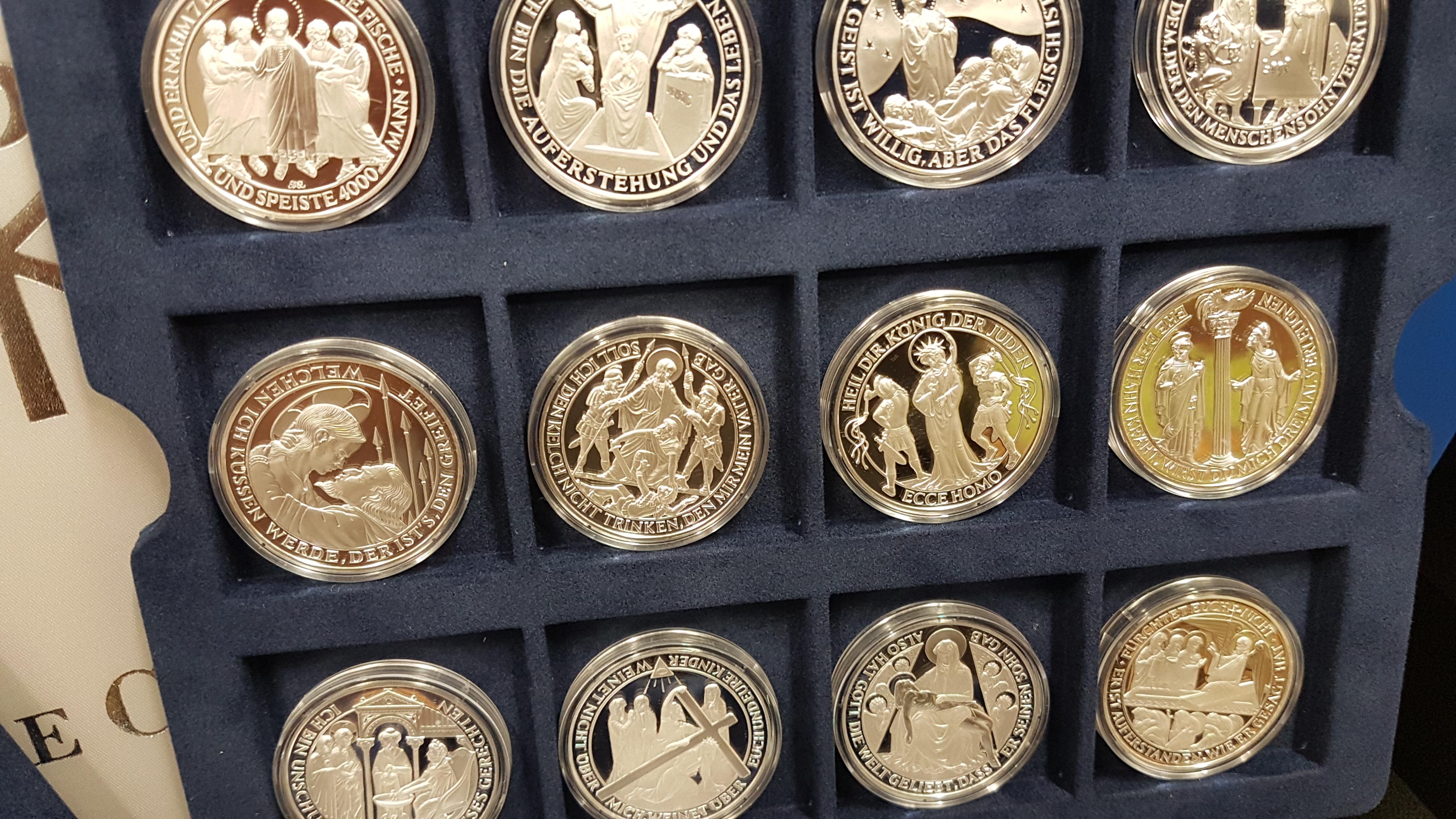 2000 Jahre Christentum Aufwendige Kollektion Von 36 Edlen Silber
